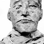 ฟาโรห์แรเมซีสที่สาม (Ramesses III) ถูกฆ่าตายโดยผู้ลอบสังหารหลายคน