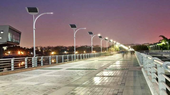 engoplanet-street-light-1