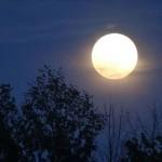 ปรากฏการณ์ที่หายากยิ่งในรอบ 70 ปี : พระจันทร์เต็มดวงในวันครีษมายันของปีนี้