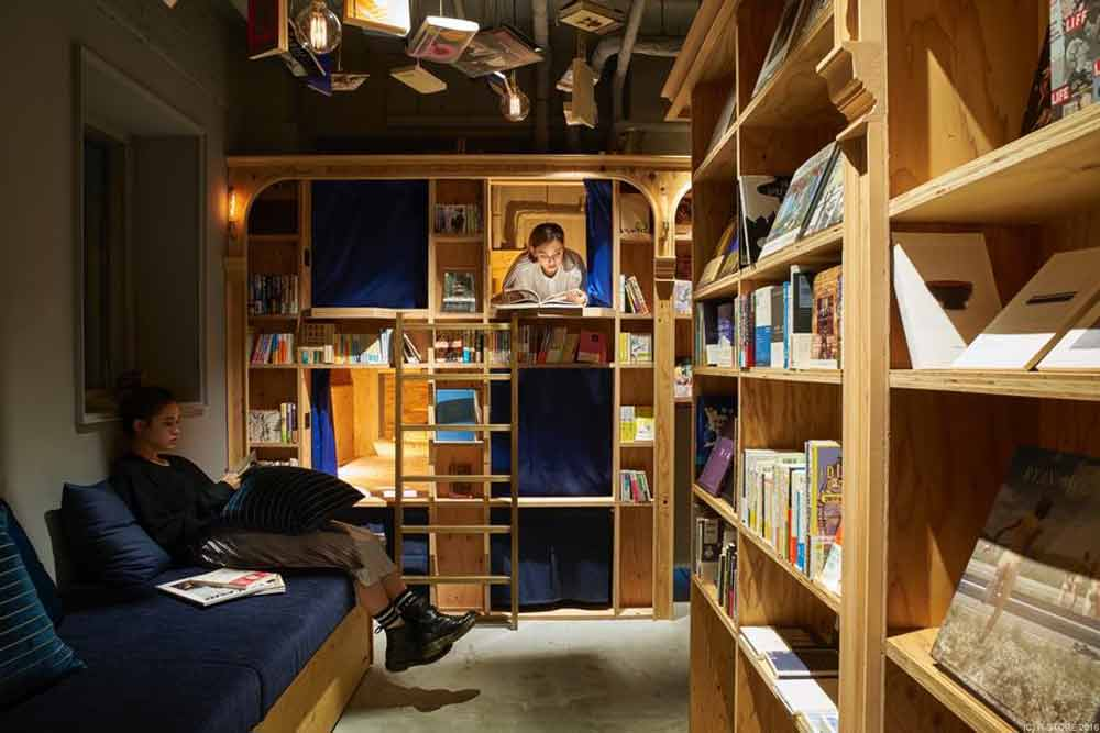 book-and-bed-tokyo-4