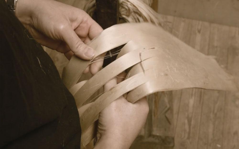 ชมวิธีทำเชือกจากเปลือกไม้ด้วยเทคนิคโบราณยุคไวกิ้งที่ทนทานนานนับพันปี