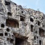 พบหลักฐานเส้นใยไหมเก่าแก่ที่สุดในสุสานอายุ 8,500 ปีที่ประเทศจีน