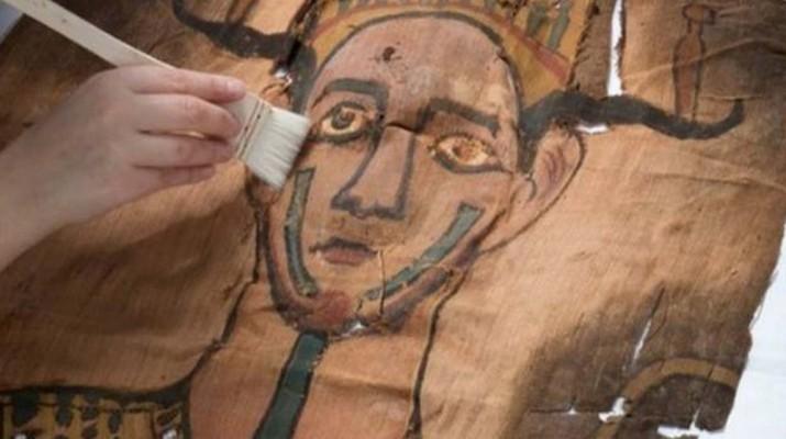 roman-egypt-mummy-shroud-1