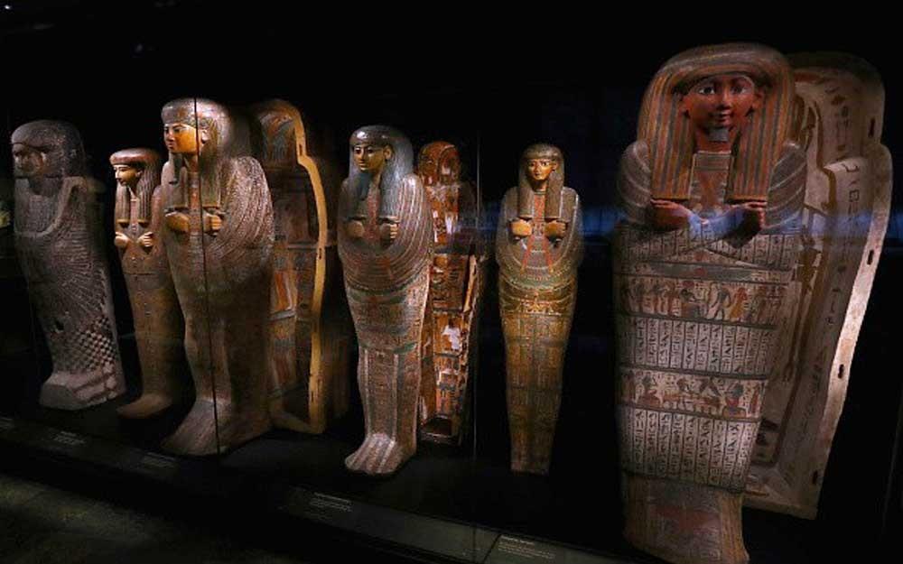 มัมมี่และข้าวของวัตถุล้ำค่าจำนวนมากถูกขุดพบในสุสานอียิปต์อายุ 3,500 ปี