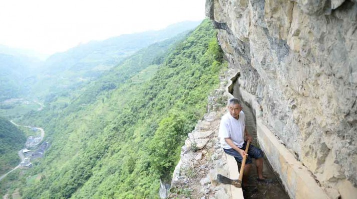 chainese-man-carve-mountain-36-years-1