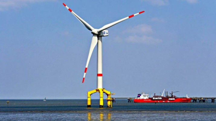 liverpool-biggest-wind-turbines-1