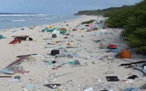 plastic-debris-island-1