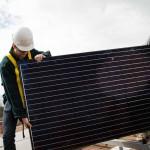 การจ้างงานด้านพลังงานหมุนเวียนเพิ่มเป็นสองเท่าในช่วง 5 ปีที่ผ่านมา