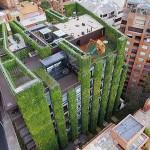 สวนแนวตั้งใหญ่ที่สุดในโลกบนตึกสูงชุ่มชื่นด้วยพืชหลากพันธุ์ 115,000 ต้น