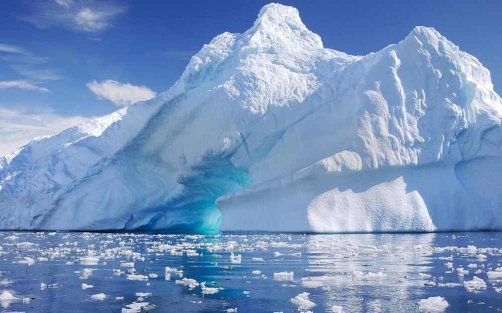 ภูเขาน้ำแข็งขนาดมหึมาหนักกว่า 1 ล้านล้านตันแตกหลุดจากทวีปแอนตาร์กติกา
