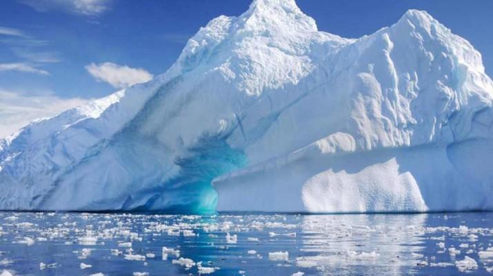 iceberg-antarctica-larsen-c-1