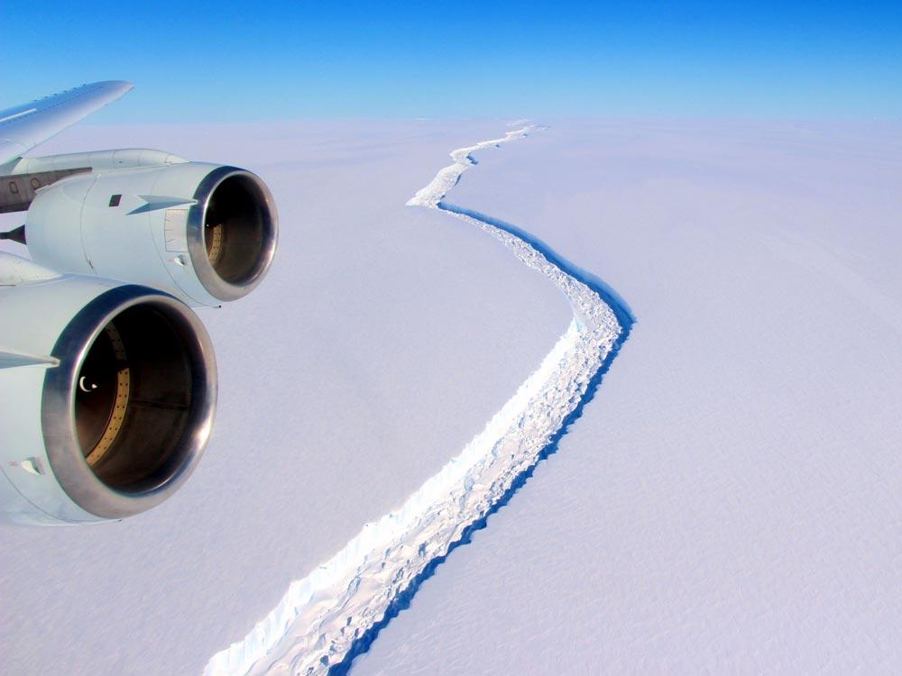 iceberg-antarctica-larsen-c-3