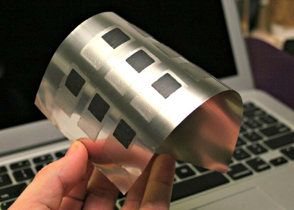 printed-battery-on-printed-solar-2