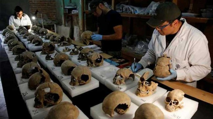 tower-of-human-skulls-mexico-1