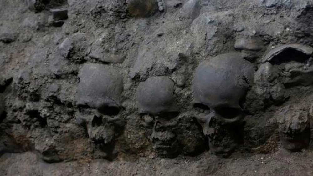 tower-of-human-skulls-mexico-3