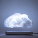 โคมไฟปุยเมฆลอยสร้างบรรยากาศเหมือนอยู่บนท้องฟ้า แม้ในยามพายุฟ้าคะนอง