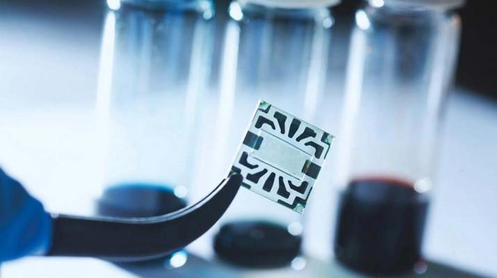 transparent-graphene-solar-cell-1