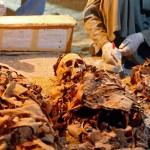ขุดพบหลุมฝังศพและมัมมี่ของช่างทองอายุ 3,500 ปีใกล้กับหุบเขากษัตริย์ของอียิปต์