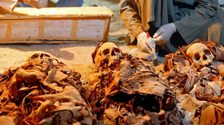 egyptian-archaeologists-find-goldsmith-3,500-year-old-tomb-1