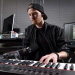 นักดนตรีแขนด้วนสามารถเล่นเปียโนได้อีกครั้งด้วยแขนเทียมไฮเทค