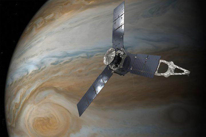 jupiter-beneath-cloud-2