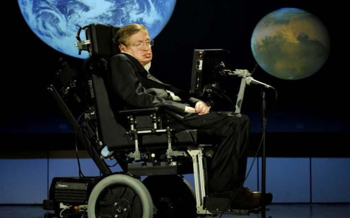 """""""จุดจบของเอกภพ"""" คำทำนายสุดท้ายก่อนตายของนักฟิสิกส์ผู้โด่งดัง: สตีเฟน ฮอว์กิง"""