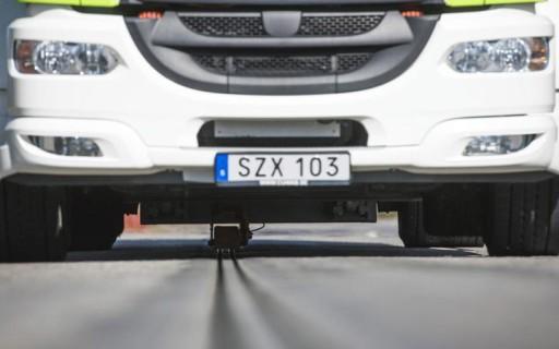 สวีเดนเปิดใช้งานถนนที่สามารถชาร์จไฟรถยนต์ขณะวิ่งได้แห่งแรกของโลกแล้ว
