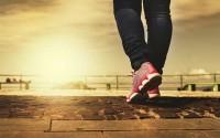 เคล็ดลับอายุยืน! แค่เดินให้เร็วขึ้นกว่าเดิมอาจทำให้คุณมีชีวิตอยู่ได้นานขึ้น