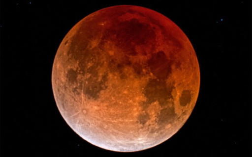 เตรียมชมจันทรุปราคา 'พระจันทร์สีเลือด' ที่ยาวนานที่สุดในศตวรรษที่ 21