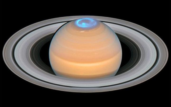 saturn-aurora-1