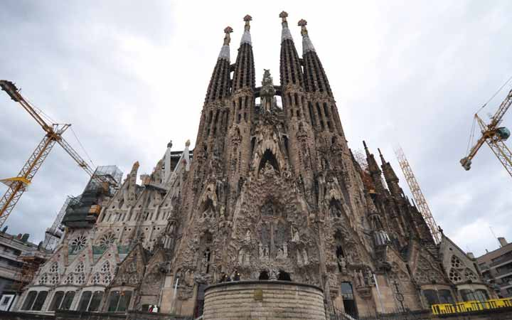 sagrada-building-permit-1
