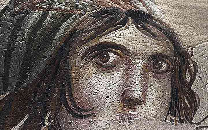 stolen-pieces-gypsy-girl-mosaic-return-to-turkey-1