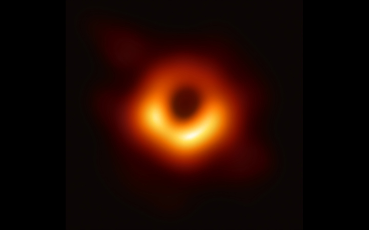 first-black-hole-image-1