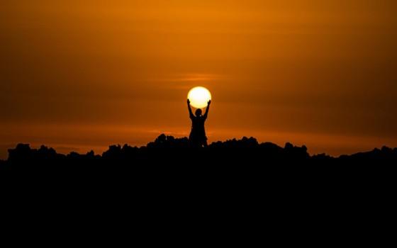 นักวิจัยค้นพบวิธีเปลี่ยนแสงอาทิตย์เป็นเชื้อเพลิงไฮโดรเจนอย่างมีประสิทธิภาพ