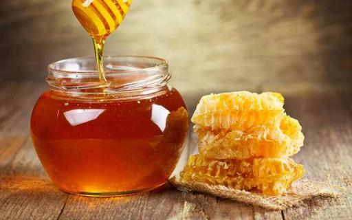 """""""น้ำผึ้ง"""" ใช้รักษาอาการไอและไข้หวัดได้ดีกว่ายาปฏิชีวนะจากร้านขายยา"""