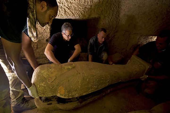 27-sarcophagi-discover-4