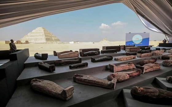 โลงศพมัมมี่อียิปต์ถูกขุดพบถึง 160 โลงพร้อมคำสาปที่น่ากลัวสำหรับผู้บุกรุก