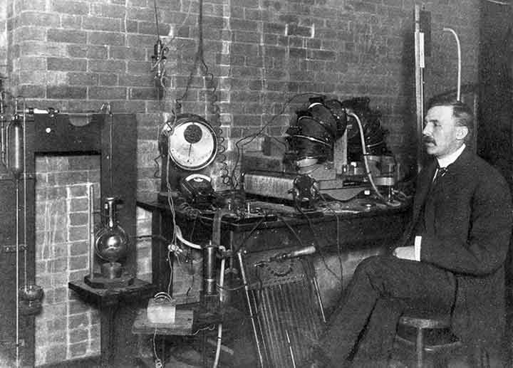 ernest-rutherford-03